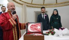 Evlenen çiftlere nikah seti