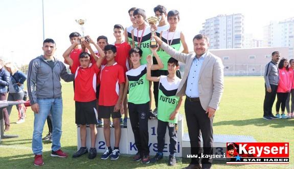 Atletler 29 Ekim Cumhuriyet Kupası İçin Yarıştı