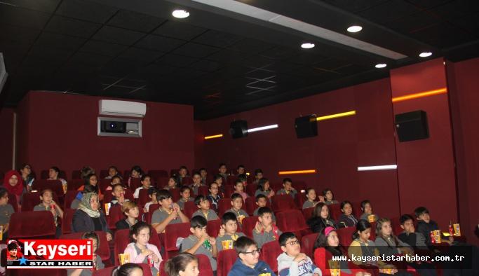 Çocukların 'Sinema' Mutluluğu