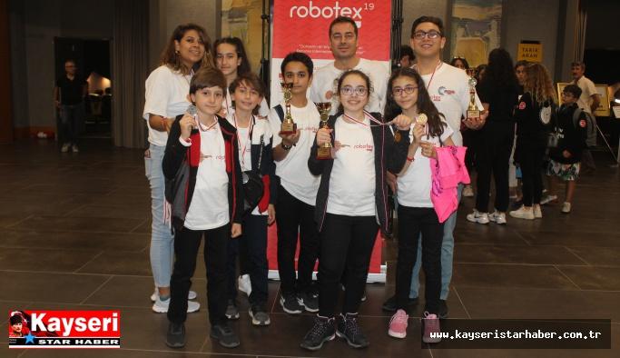 Erciyes Koleji Kayseri'nin gururu oldu