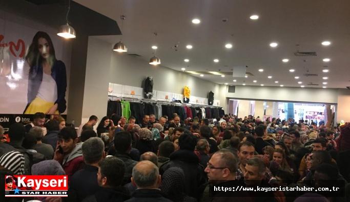 Kayseri'de 'Muhteşem Cuma' izdihama sebep oldu