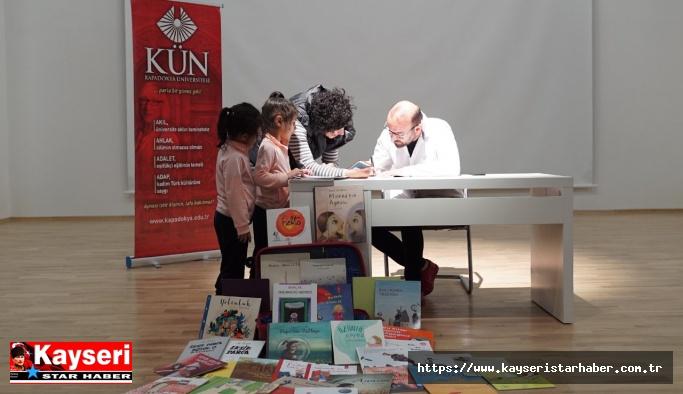 """Murat Moroğlu """"Bir Bavul Kitap"""" ı anlattı"""