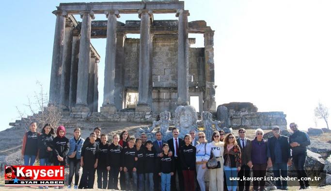Öğrenciler Aizanoi Antik Kenti'ni ziyaret etti