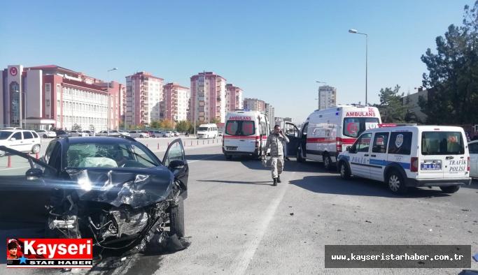 Okul önünde meydana gelen kazada faciadan dönüldü