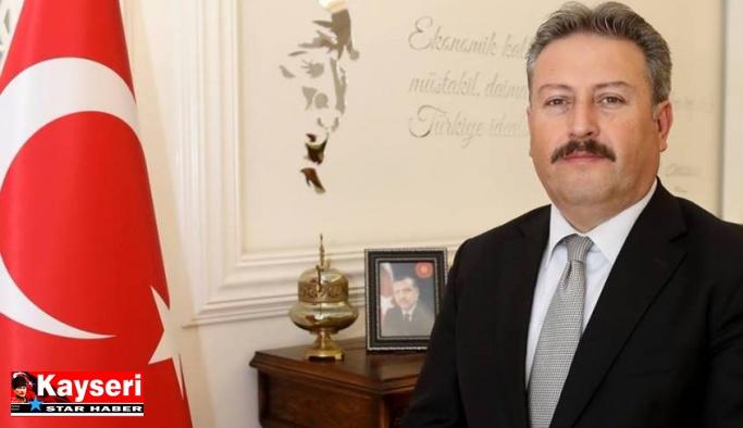 Palancıoğlu'dan kampanyaya 1000 kitap