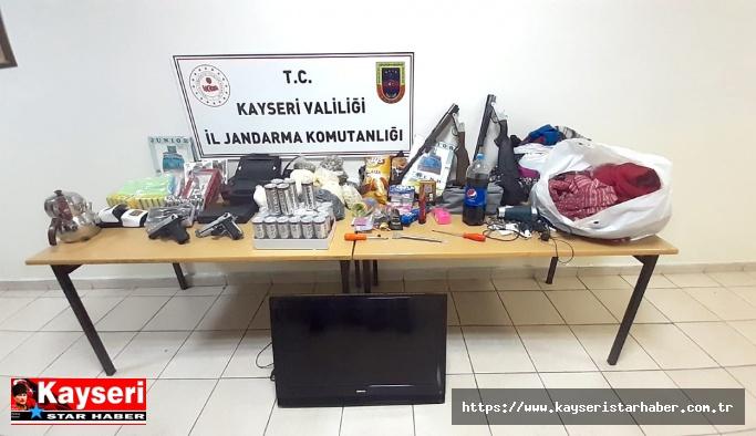 12 bağevini soyan iki hırsız tutuklandı