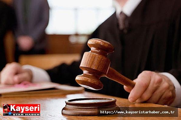 Boşanma aşamasındaki eşini öldüren sanık hâkim karşısında