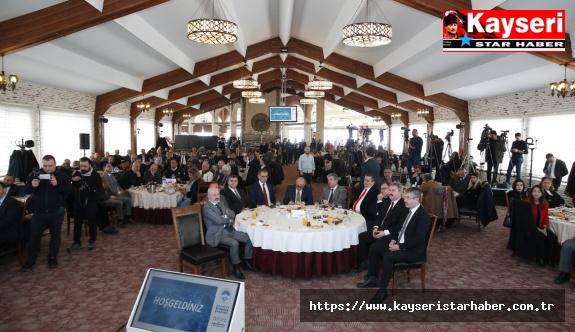 Başkan Büyükkılıç, Erciyes'teki Toplantıyla 2019 Yılını Değerlendirdi ve 2020 Yılında Yapılacak Yatırımlarla İlgili Bilgi Verdi