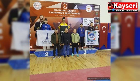 Beyza Basma Türkiye Üçüncüsü