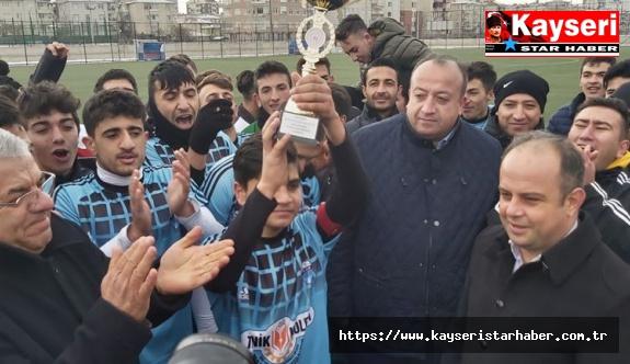 Futbolun Şampiyonu OSB Vakfı Mesleki Ve Teknik Anadolu Lisesi