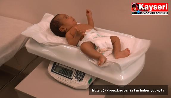 Prematüre doğan bebeğin kalbindeki açıklık kapatıldı