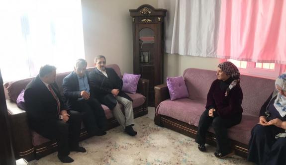 Bakan yardımcısı Aksu'dan Şehit ailesine ve esnafa ziyaret