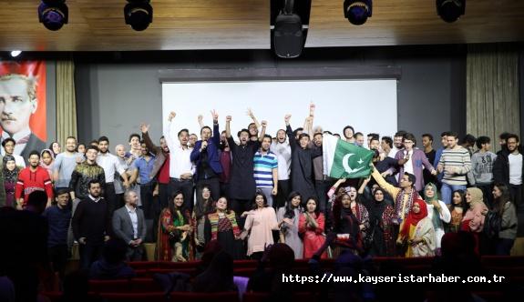 Pakistan kültürü AGÜ'de tanıtıldı
