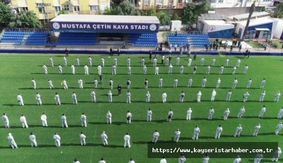 Antalya'da 250 kişilik yıkanabilir maske dağıtım ordusu