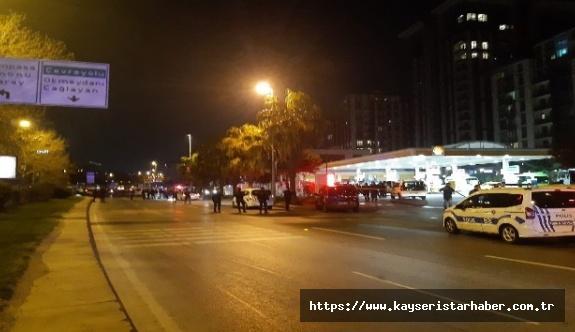 Beyoğlu'nda polise saldıran şüpheli hayatını kaybetti