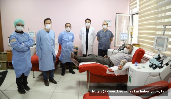 Hukuk Profesöründen Covid-19'lu Hastalara İmmün Plazma Bağışı