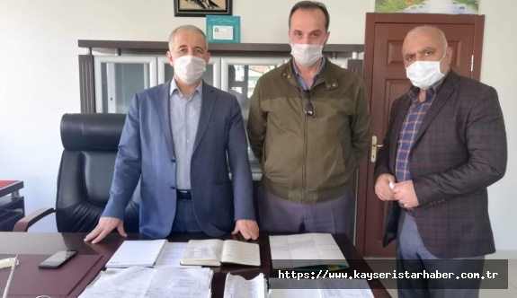 Kayseri'de Kur'an Kursu hocası bakkal defterini satın aldı