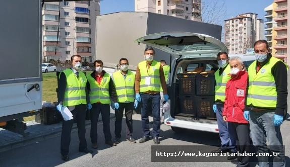 Talas'ta  'Vefa Sosyal Destek Grubu 1218 kişinin ekmeğini ulaştırdı