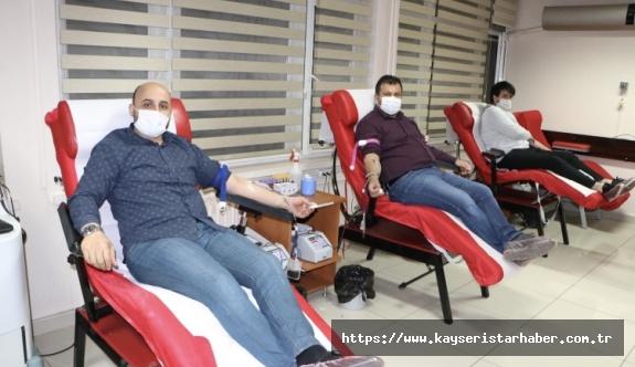 Memur- Sen'den kan bağışı kampanyasına destek