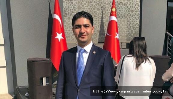 MHP milletvekili İsmail Özdemir'den 30 bin maske