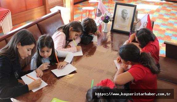 Rahmi M. Koç Müzesi, çocukların 23 Nisan coşkusuna evlerinde ortak oluyor