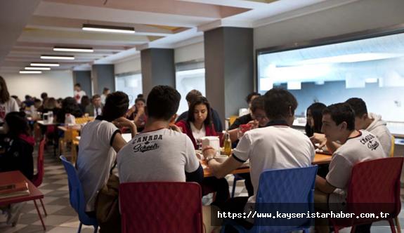 Sağlık çalışanlarının çocuklarına İngilizce ders desteği