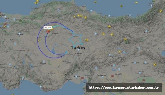 THY 23 Nisan özel uçuşu yaptı ve gökyüzünde dev Türk Bayrağı açtı