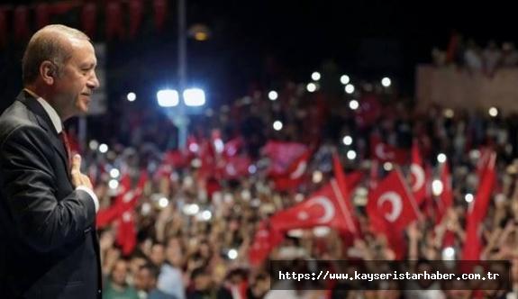 AK Parti İl Başkanlığı Reisinin yanında