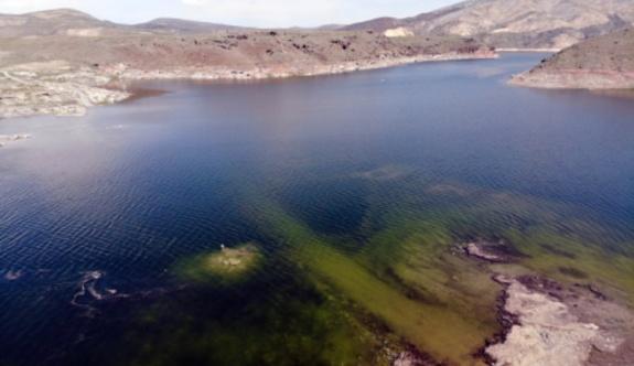 Baraj suları yükseldi, köy su altında kaldı
