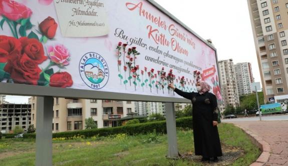Başkan Yalçın'dan annelere jest
