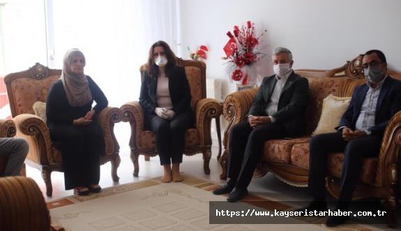 CHP'den şehit ailesine ve teşkilata bayram ziyareti