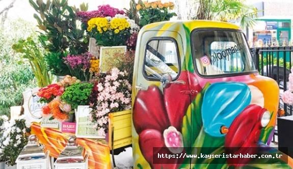 Çiçekçilere 'Anneler günü' için 'servis'li izin