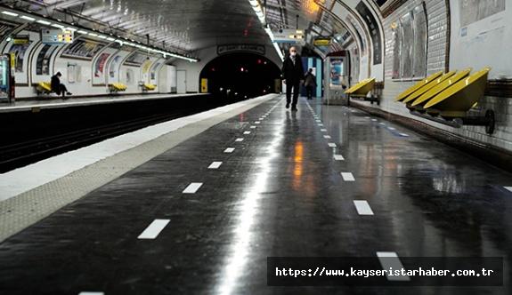 Fransa'da son 24 saatte korona virüsten 330 kişi öldü