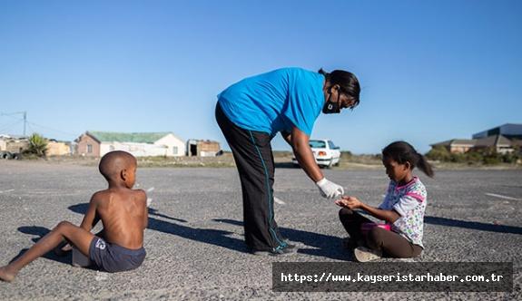 Güney Afrika'da Covid-19 nedeniyle 19 bin mahkuma şartlı tahliye