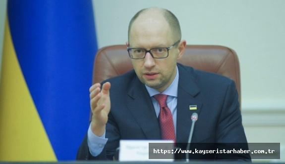 Ukrayna eski Başbakanı Yatsenyuk'dan ilginç Rusya iddiası