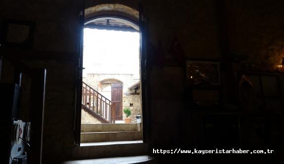 """Ahırdan tarihe açılan kapı """"Hurmalı Konak"""""""