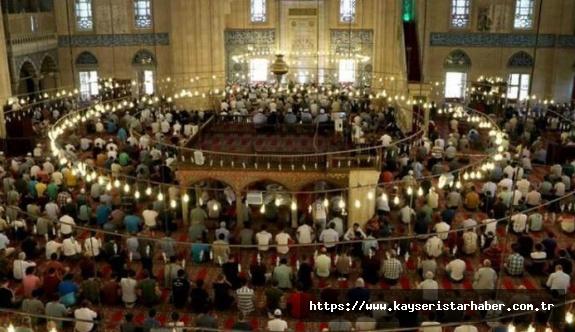 FLAŞ: Camilerde kısıtlama kalktı, beş vakit cemaatle namaz kılınacak