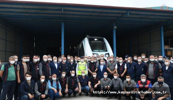 Yerli ve milli elektrikli trenin tasarım ve üretimi tamamlandı