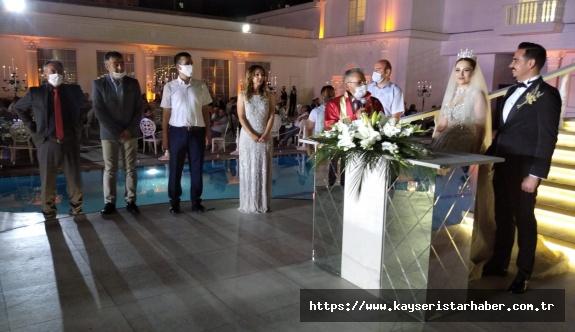 'İştahlı've 'Balkaya' ailelerinin mutlu ve örnek düğünü