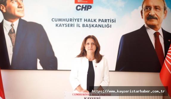 CHP'li Özer ve Albayrak'tan 30 Ağustos'un yasaklanmasına sert tepki
