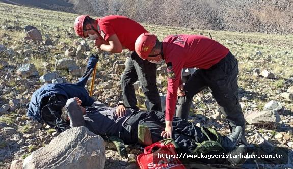 Tırmanışta rahatsızlanan dağcıyı JAK kurtardı