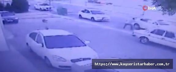 Temizlikçi kılığında gelen soyguncuları cesur güvenlik görevlisi durdurdu