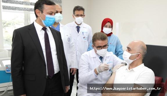 ERÜ'de Covid-19'a Karşı Geliştirilen Aşı Adayının  Faz-2 Kapsamında 2. Dozu Yapıldı