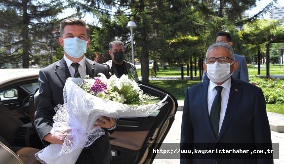 """Bosnalı Büyükelçi' den Büyükkılıç' a: """"Sizin Hatırınız Biz De 4 Bin Yıl"""""""