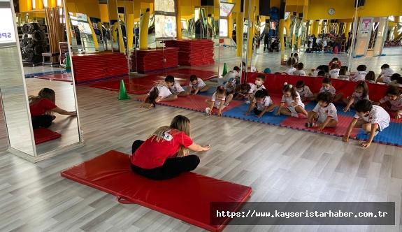 Büyükşehir Belediyesi Yaz Okullarıyla Çocuklar Mutlu