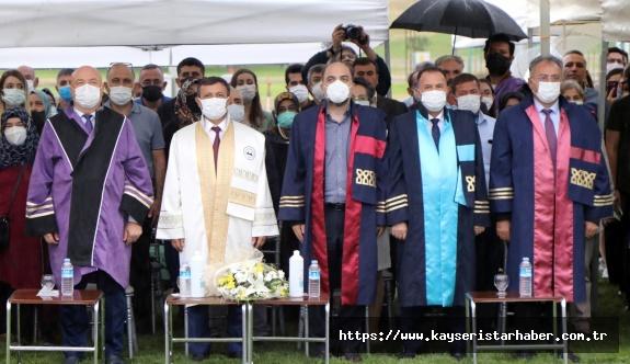 ERÜ Diş Hekimliği Fakültesi 12. Dönem Mezunlarını Verdi