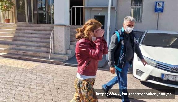 Evlerden 130 bin liralık ziynet eşyası çalan 4 kadın yakalandı