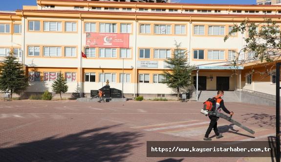 Talas Belediyesi Okullara Dokunmaya Devam Ediyor