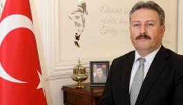 Başkan Palancıoğlu'ndan kampanyaya bin kitap