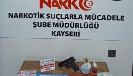 Polis'ten uyuşturucu sokak satıcılarına operasyon